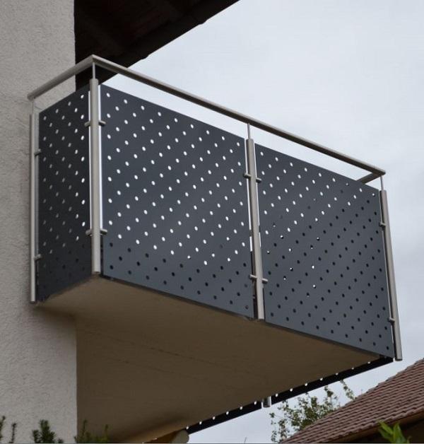 balkongel nder mit lochblech. Black Bedroom Furniture Sets. Home Design Ideas